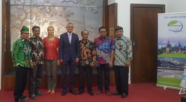 Delegația provinciei Riau din Indonezia ia ca model învățământul privat din România prin Universitatea Spiru Haret